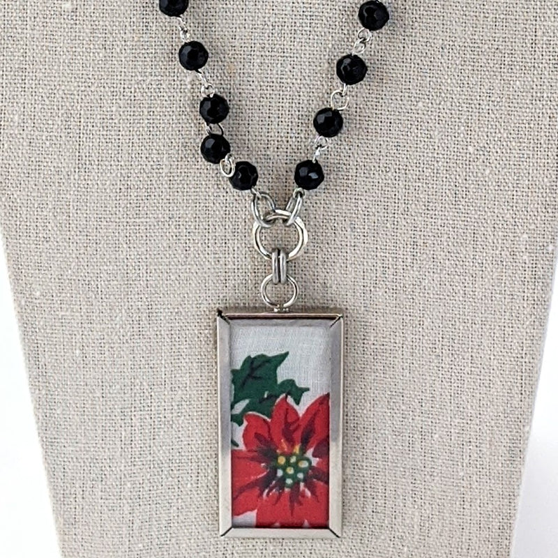 Christmas Hankie Necklace (CH12)