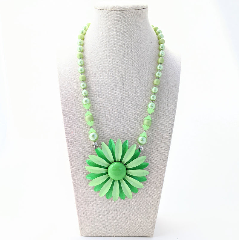 Spring Green Flower Necklace (VF 107)
