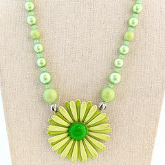 Springy Green Vintage Flower Necklace