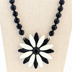 Black & White Daisy Vintage Flower Necklace