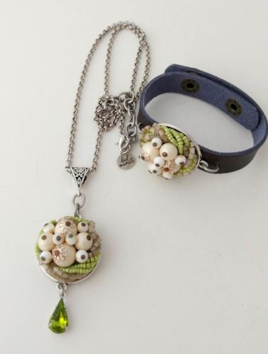 Green Vintage Bauble Pendant Necklace and Cuff Bracelet Gift Set
