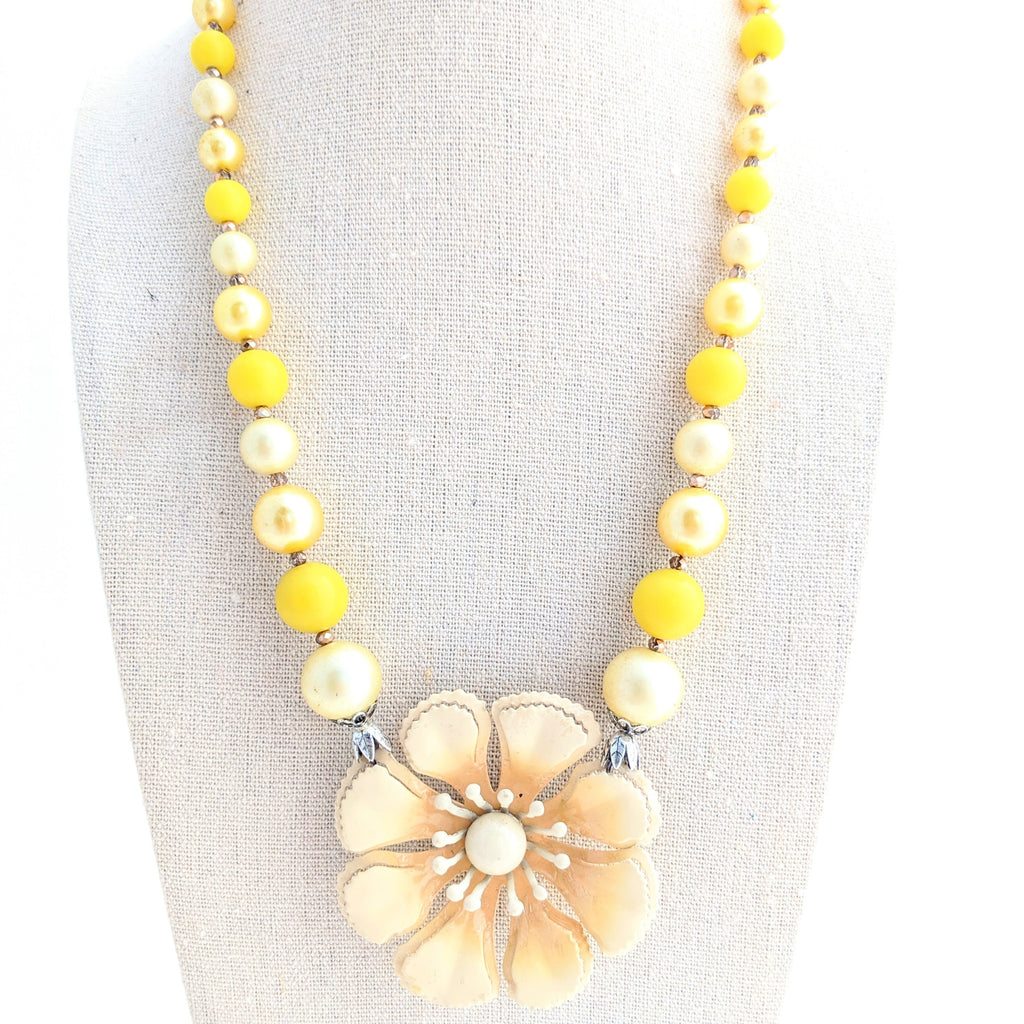 yellow enamel daisy necklace