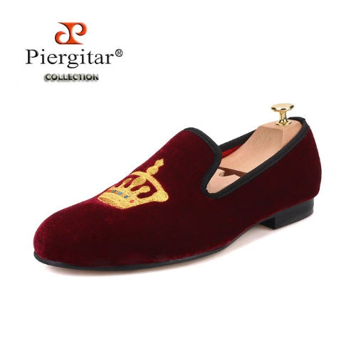 Gold Crown Embroidered Men Velvet Shoes