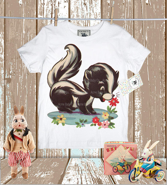 Skunk Smells Flower Unisex Shirt