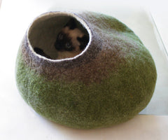 Green Bubble - Wool Cat or Dog Bed