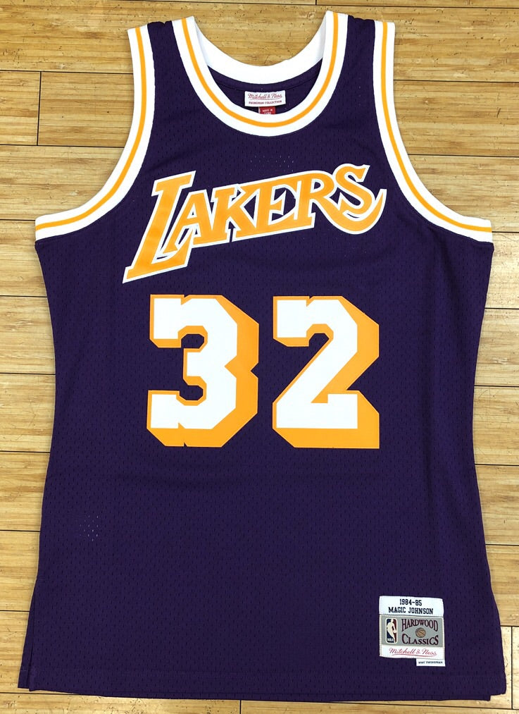 477eed47ada Mitchell & Ness- Magic Johnson swingman Jersey Los Angeles Lakers ...