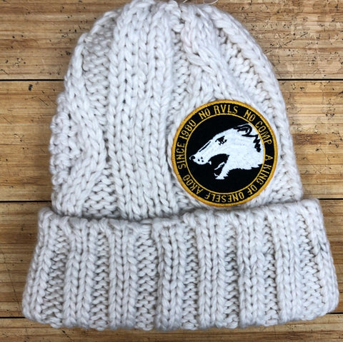 AKOO- cable knit hat