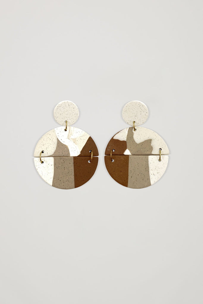 AKOSÉE x Yindi Marble-Effect Circle Earrings