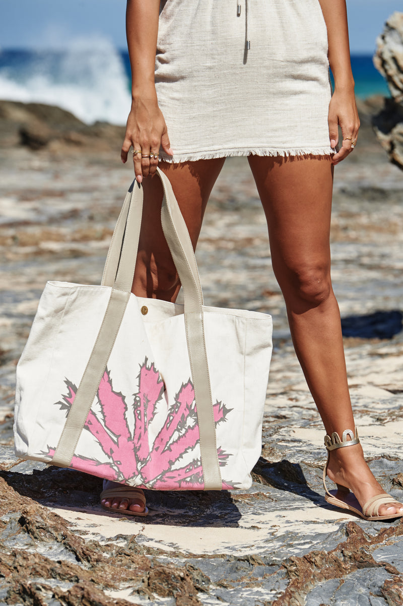 Akosée Beach Bag in Pink