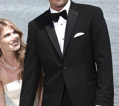 5 Common Mistakes Most Grooms Make When Selecting Their Wedding Suits