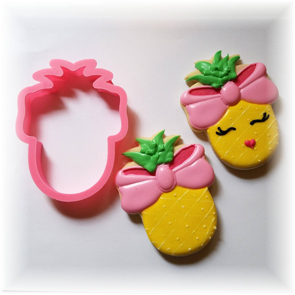 Pineapple with Bow Cookie Cutter