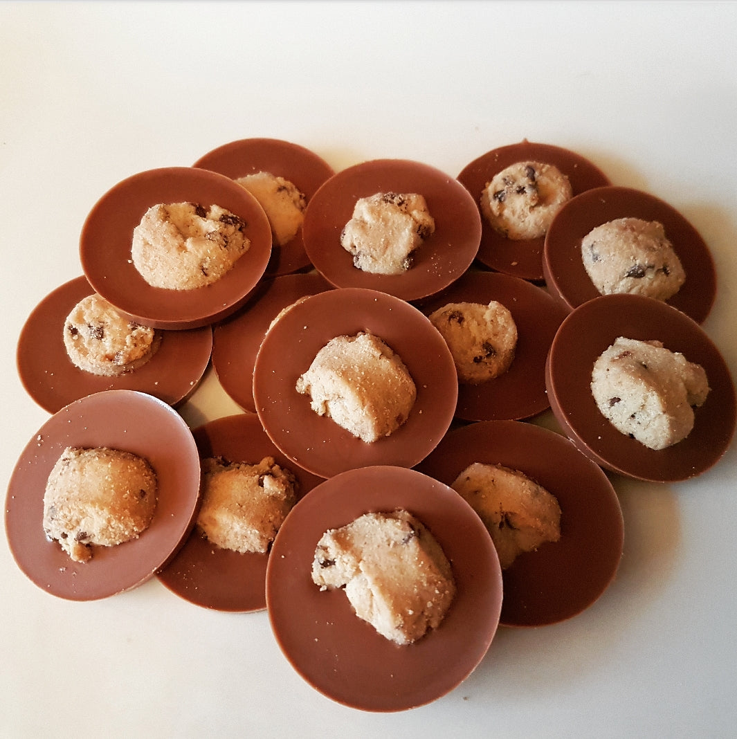 COOKIE MILK CHOCOLATE CIRCLES