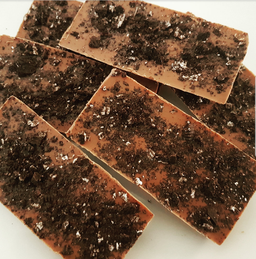 CRUSHED OREO MILK CHOCOLATE SLAB