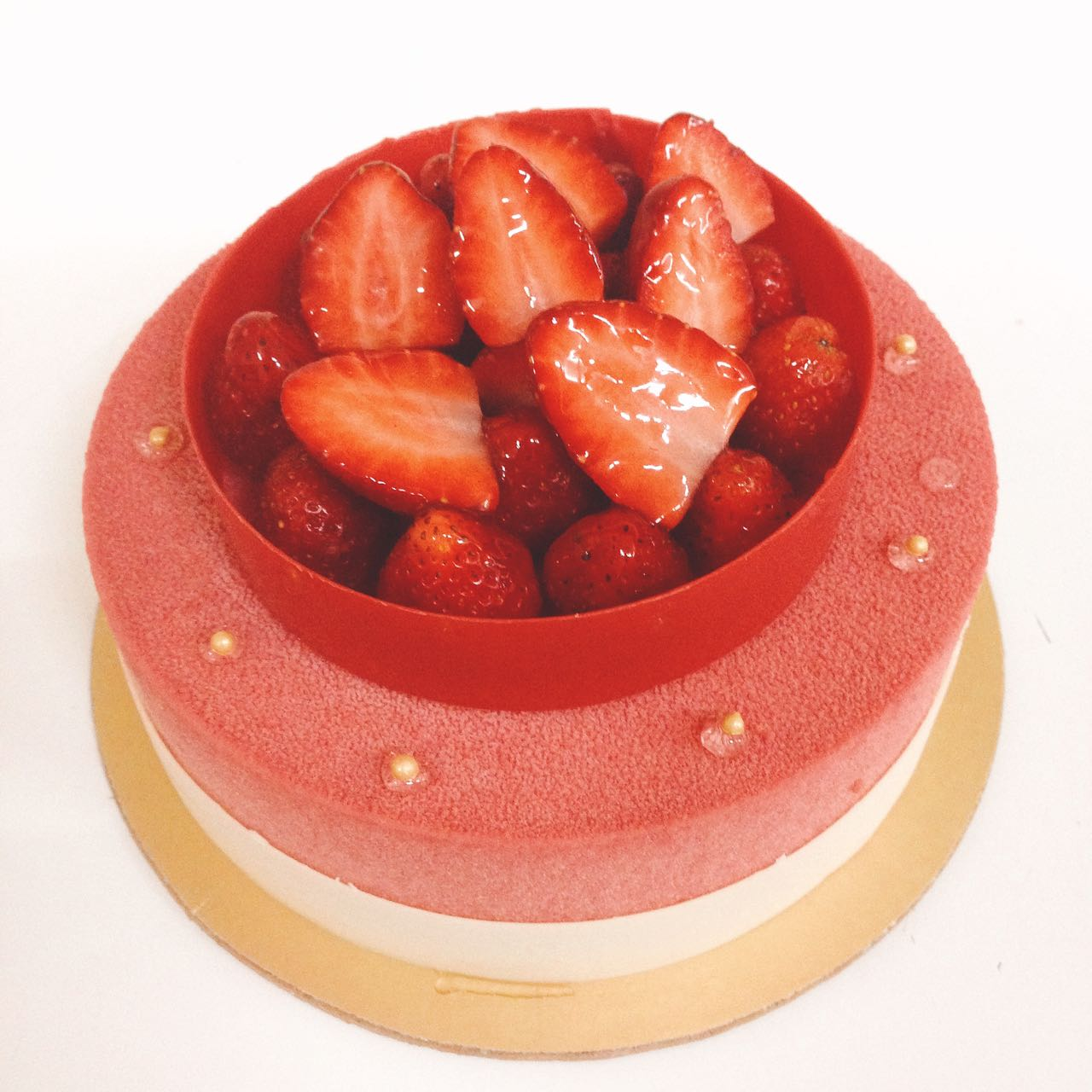 Strawberry Splendour Cake (Strawberry and Cream)