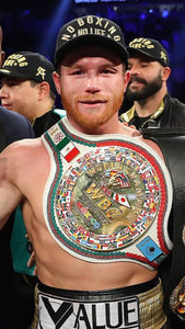 Canelo Alvarez Decisions GGG, Wins Middleweight Crown!