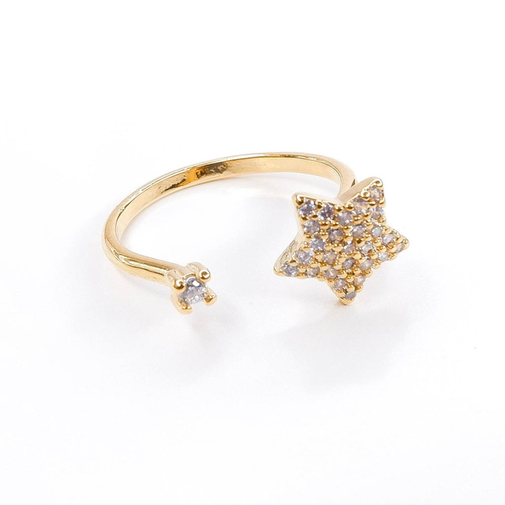 Gold Star Ring with cubic zirconia design