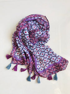 Purple geometric design printed scarf with tassels
