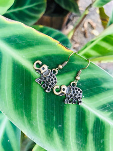 Small size elephant hook earrings