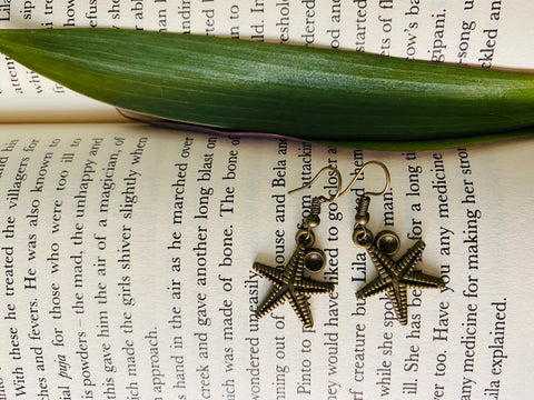 Star fish miniature figurine earrings from ART-ery