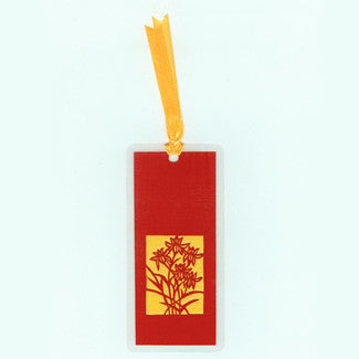B237 Delicate Lilies (Bookmark)