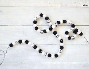 Felt Ball Garland - Halloween Black & White