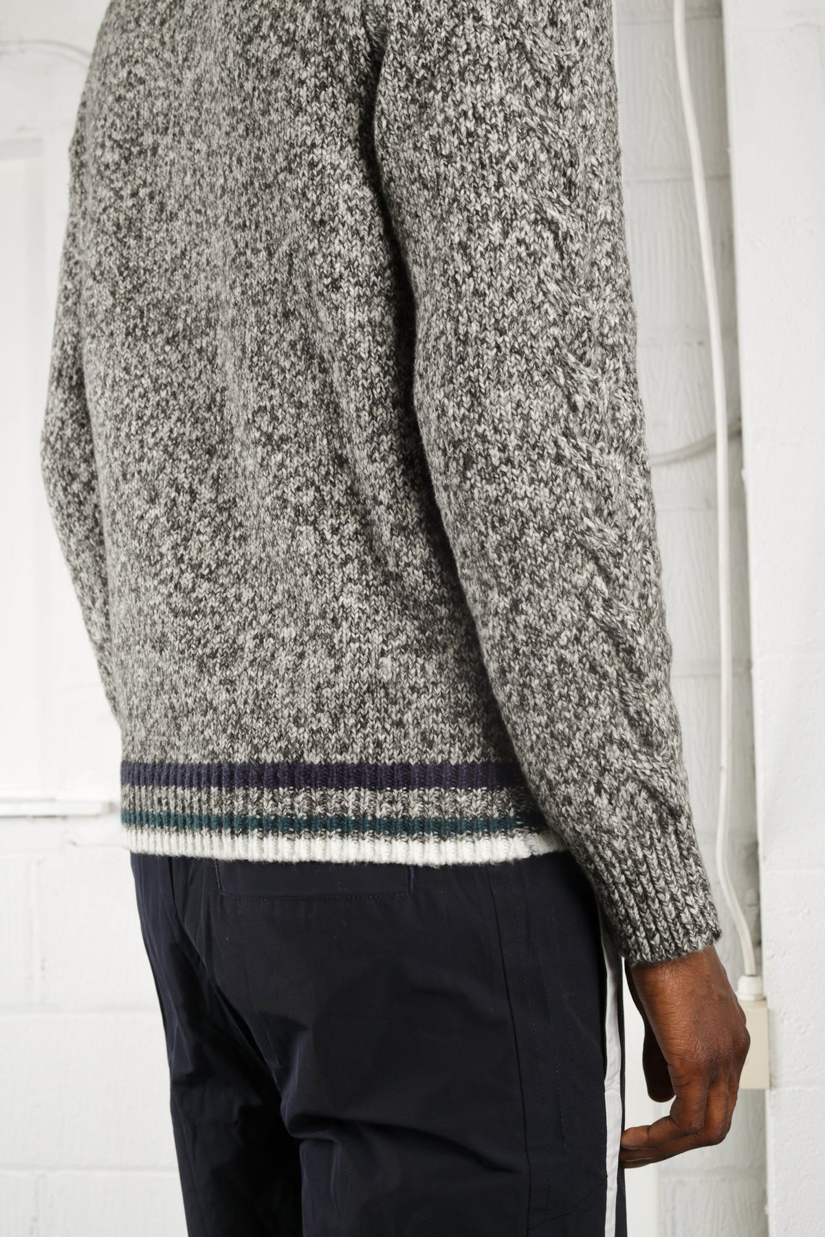TUNNEL SWEATER