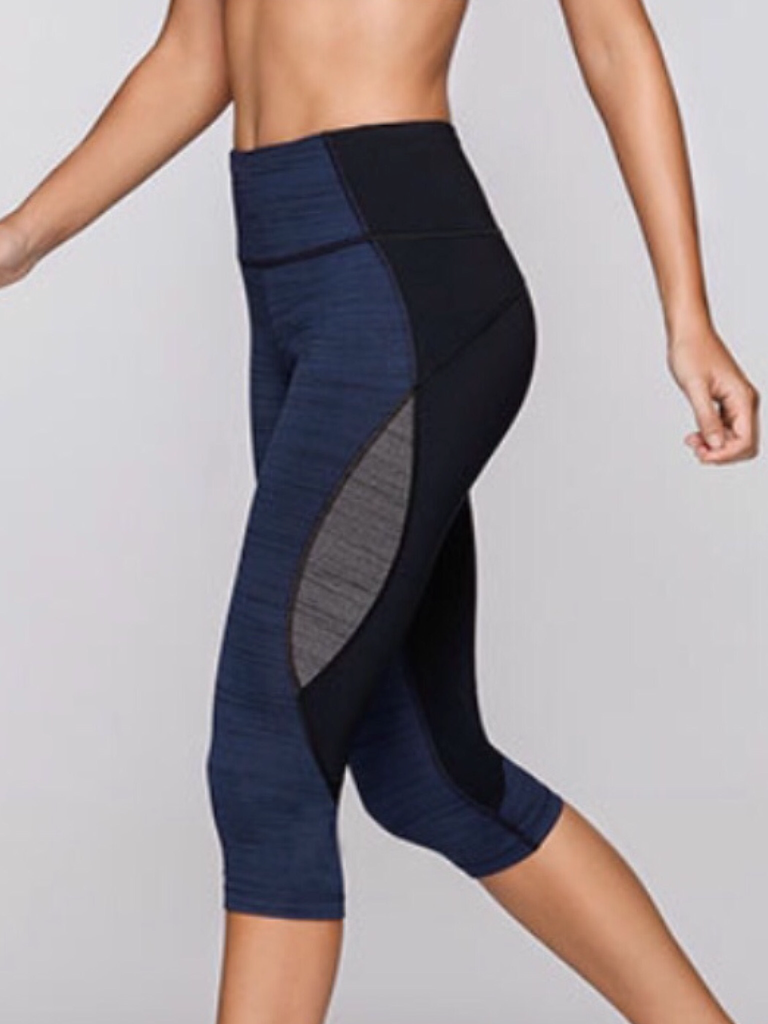 Three-Tone Capri Leggings with Hidden Pocket