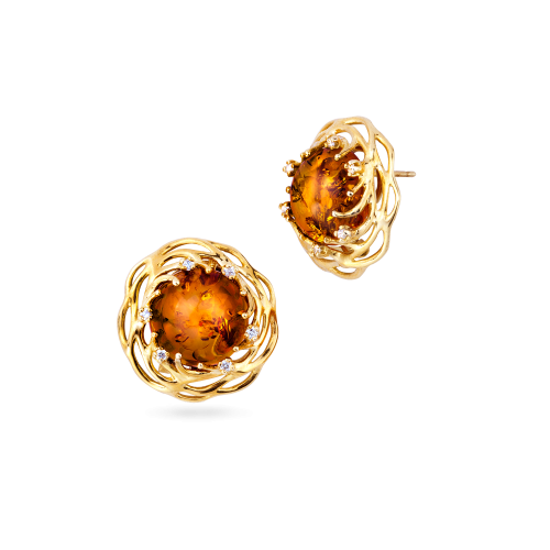 Asronishing 18 carat Golf Earrings with 0.30 ct Brilliants and Cognac Amber