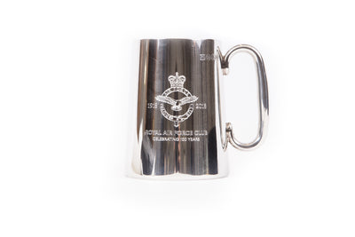 Engraved tankard with crest