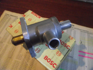 MERCEDES BRAND NEW (NOS) AUXILIARY AIR SLIDE VALVE BOSCH 0280140027