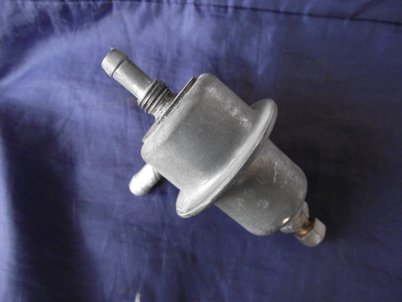 Volvo / Porsche Fuel Pressure Regulator | BOSCH 0280160001 | For 914, 1800