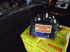 Volvo / Saab Factory Remanufactured Fuel Distributor | BOSCH 0438100018