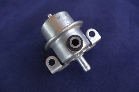 Volvo Fuel Pressure Regulator BOSCH 0280160292 fit 240 740 (1987-1992)