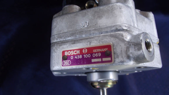 Mercedes Fuel Distributor BOSCH 0438100069 Fit 280CE, E, TE Turbo SE, SEL, SL, SLC