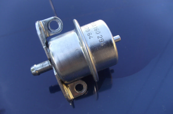 Volvo Fuel Pressure Regulator | BOSCH 0280160294 | 240 245 740 760 780 940