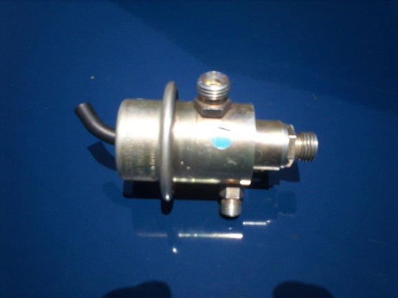 Mercedes / Bentley / Rolls Royce Fuel Pressure Regulator BOSCH 0438161013