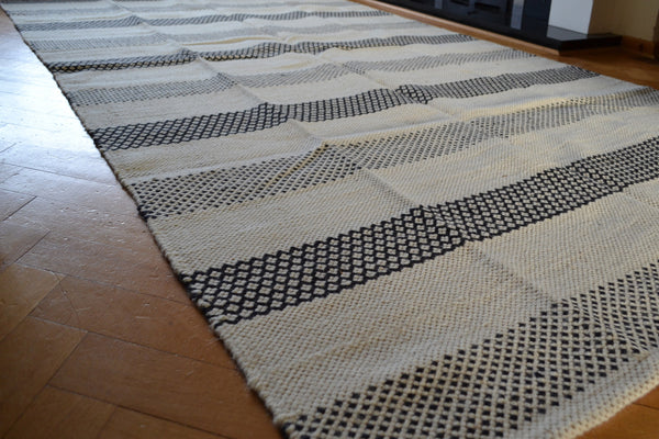 Large Kilim White Black  Rug Reversible Diamonds Stripes Wool - 5x8 - DesignsEmporium