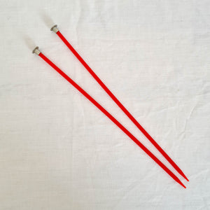 "Vintage Knitting Needles | 9"" long - Size 7 - Red Plastic"