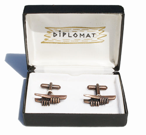 Vintage Diplomat abstract bronze tone cufflinks. Find this and other Smart Vintage items at Intovintage.co.uk.