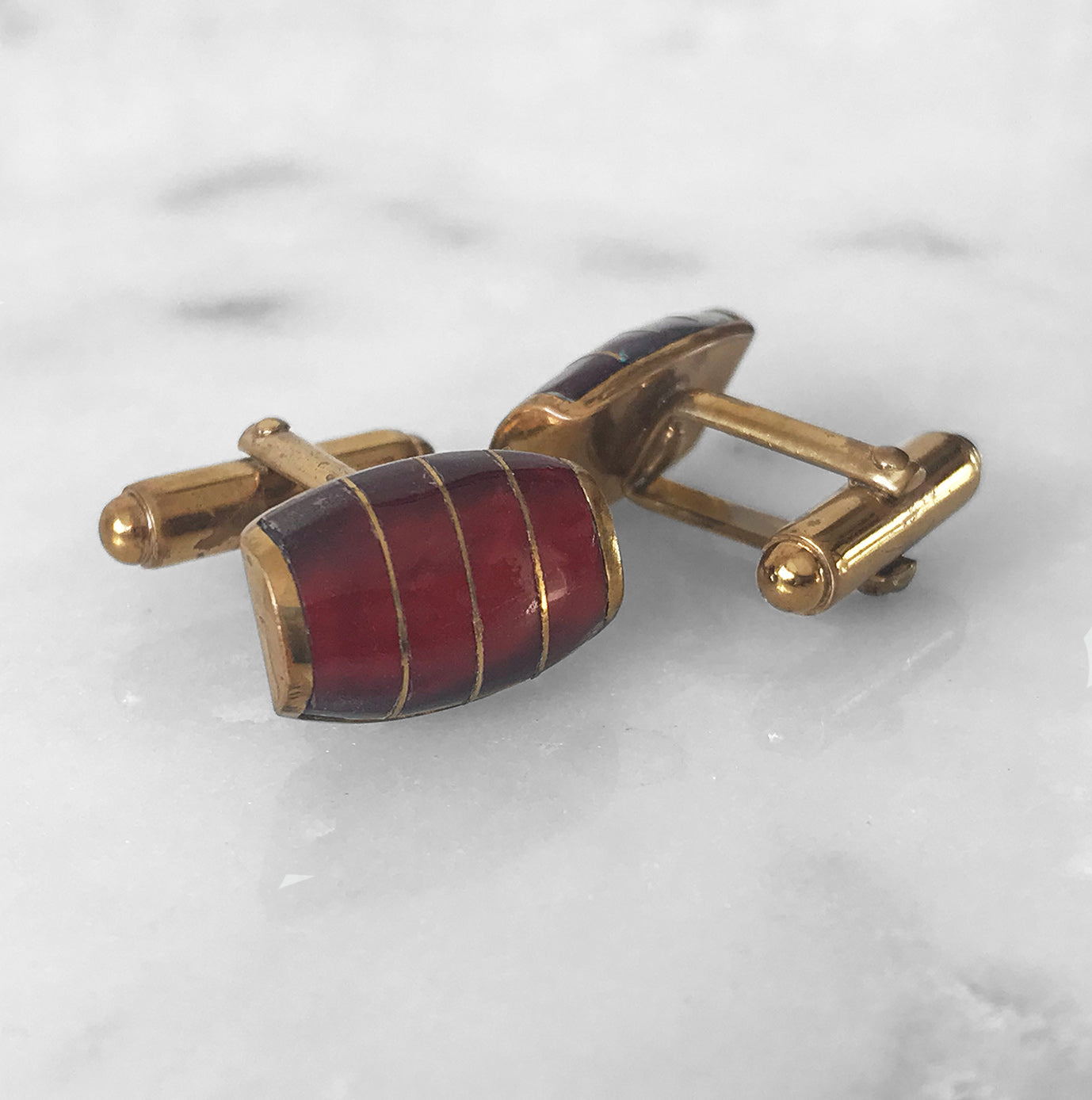 Vintage Red and Gold tone Barrel Cufflinks that catch the light nicely - SHOP NOW - Intovintage.co.uk.