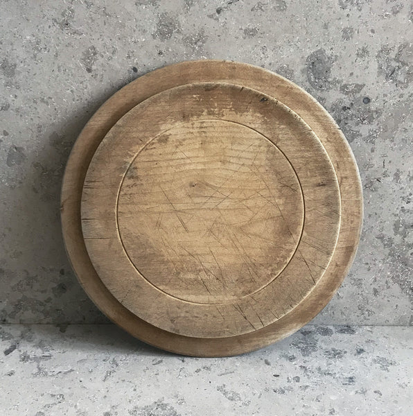 Neat mid 20th c breadboard with the word 'Bread' nice and sharply carved at the head of the board, with simple carved detail to the edge - SHOP NOW - www.intovintage.co.uk