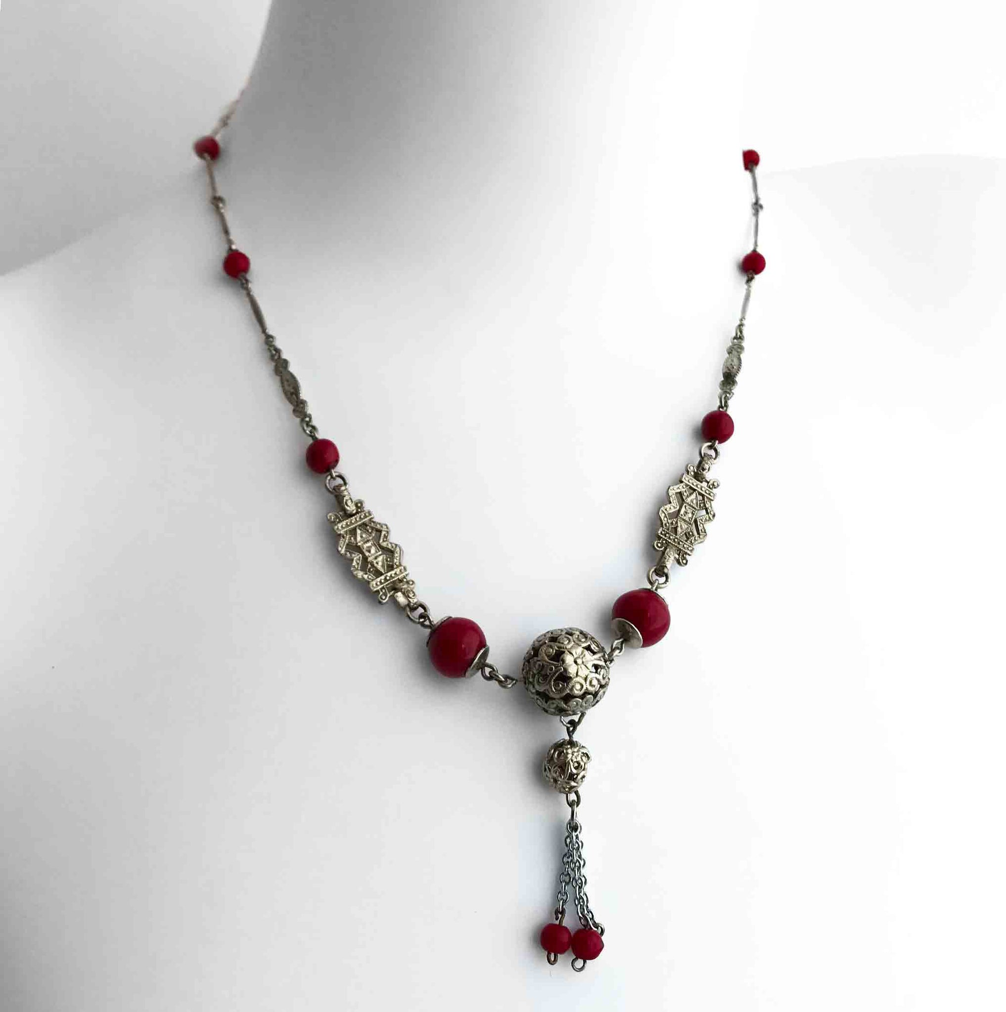 Vintage 1930's Art Deco Necklace. Find this and other Vintage jewellery for sale at Intovintage.co.uk. Into Vintage
