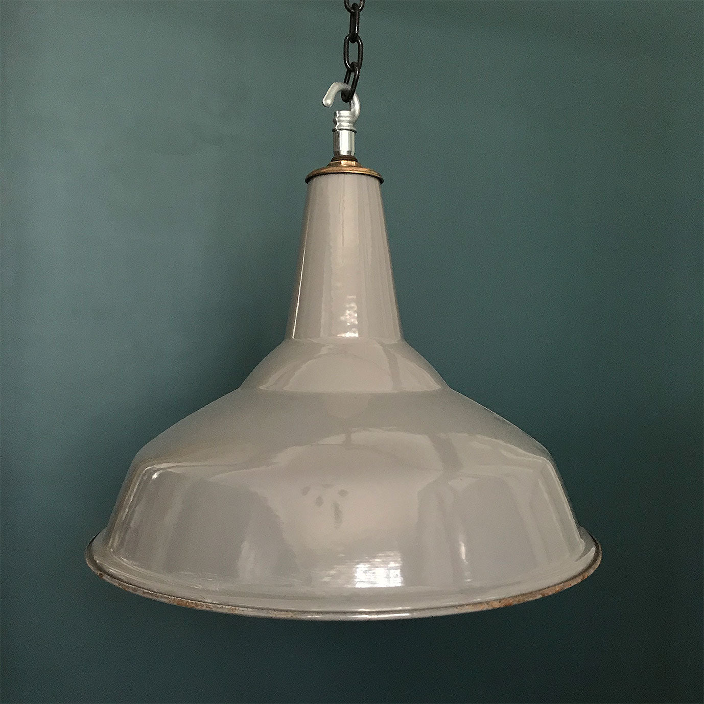 "Extra Large 17"" Benjamin Industrial Shade"