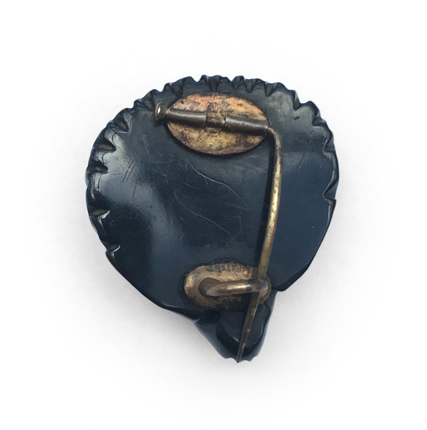 Beautiful, tactile piece of Victorian Whitby Jet carved in to a cockle shell - SHOP NOW - wwwintovintage.co.uk