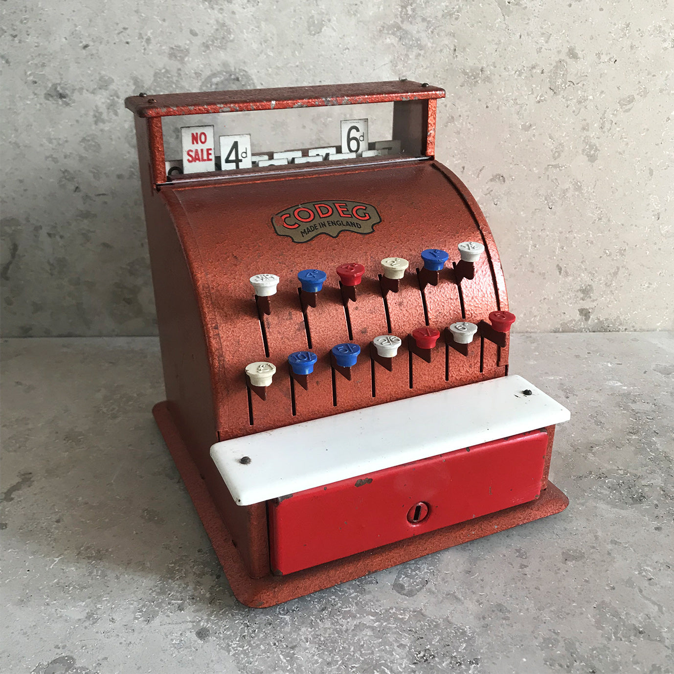 Codeg, children's toy cash tin plate cash register - SHOP NOW - www.intovintage.co.uk