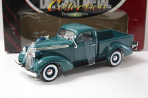 52001 Studebaker Coupe Express Pick Up Escala 1:18