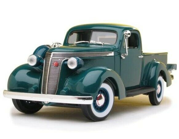 1937 Studebaker Coupe Express Pick Up Escala 1:18