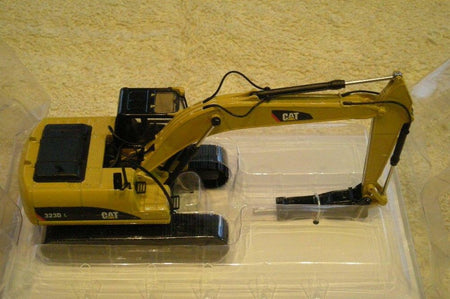 855282 Excavadora Con Martillo Cat 323X/h Escala 1:50