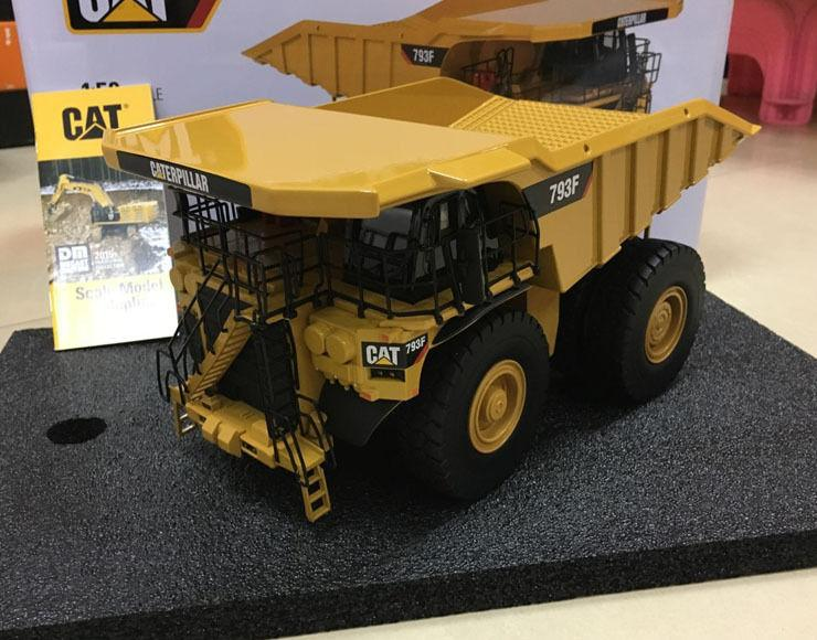 85273 Camión Minero Cat 793F Escala 1:50