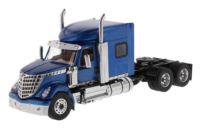 1:50 Tracto Azul Lonestar Sleeper International - Dm71026